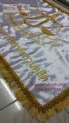 ธงผ้ามัน2หน้า ปักด้วยดิ้นทอง แต่งขอบธงด้วยพู่ทอง