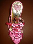 เคโวล รองเท้าโบว์ชมพูจุดดำ ส้นหัวใจ / Pink Bow and Heart-heels Shoes