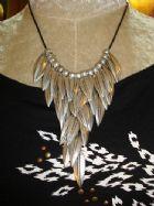 ฟอร์เอฟเวอร์21 สร้อยใบไม้เงินแบบเก๋ Forever21 Trubal Inspired Antrique Metal Leaves Necklace