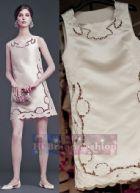 ดีแอนด์จี/โดลเช่ แอนด์ แกบาน่า เดรสใส่ออกงานทรง A แขนกุด ผ้าซาตินสีครีมปักฉลุลายดอกไม้รอบตัว สไตล์ย้อนยุค 6968 Beige Cream Sleeveless Satin Mini Dress พร้อมส่ง 4 ไซส์ค่ะ 36 38 40 และ 42