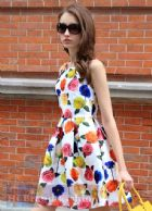 เดรสหรูออกงานแขนกุด ผ้าเนื้อดีออกเงาสีขาวพิมพ์ลายดอกกุหลาบบานสะพรั่งหลายหลากสีสวยสดใส จับจีบรอบเอวปล่อยกระโปรงบาน Roses Print White Dress พร้อมส่ง 3 ไซส์ค่ะ S M L