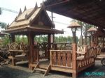 ศาลาทรงไทยมีนอกชาน