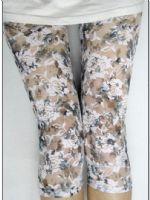 กางเกงเลคกิ้ง 5 ส่วน ผ้าลูกไม้สีขาวลายดอก