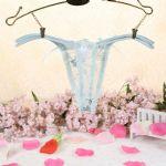 กางเกงในจีสตริงผ้าลายปักดอกไม้สีฟ้า