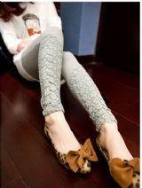 เสื้อผ้าแฟชั่นพร้อมส่ง : legging ปลายขาลูกไม้ crochet