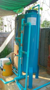 ติดตั้งถังกรองน้ำบาดาลขนาด 40 X 120 Cm. กรองสนิมเหล็ก'สีและกลิ่น ก่อนจ่ายเข้าภายในบ้าน'พร้อมปั้มสูบน้ำบาดาลและปั้มจ่ายน้ำเข้าเครื่องกรอง ต.สารภี อ.สารภี จ.เชียงใหม่