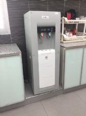 ตู้กดน้ำดื่ม2อุณหภูมิ ร้อนเย็น พร้อมเครื่องกรอง 4 ขั้นตอน บมจ.เมืองไทยประกันชีวิตสำนักงานภาคเหนือ จ.เชียงใหม่