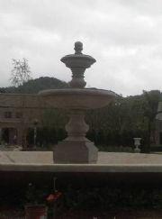 น้ำพุปูนปั้น ขนาด 230 x 300  cm.