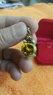 จี้คริสตัลสีเหลืองเม็ดใหญ่ สไตร์คาร์เทีย ประดับเพชร สวยงามมาก