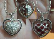 สร้อยคอชุบทองคำขาวพร้อมจี้รูปหัวใจคริสตัล2ด้าน2สี