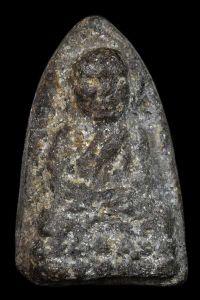 พระหลวงปู่ทวด เนื้อว่าน ปี พ.ศ.2497 พิมพ์ใหญ่ไหล่จุด วัดช้างให้ อ.โคกโพธิ์ จ.ปัตตานี No.1836