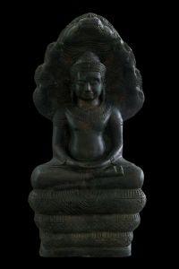 พระพุทธรูปสมัยลพบุรี ปางนาคปรก หน้าตัก 7 นิ้ว เนื้อสำริด No.093