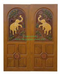 ประตูไม้สัก คู่ช้างสี่ลูกฟัก