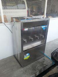 ตู้น้ำเย็น 4 หัวก๊อกพร้อมเครื่องกรองน้ำ