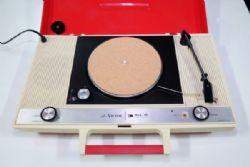 เครื่องเล่นแผ่นเสียง Victor PE-8400 *
