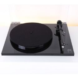 เครื่องเล่นแผ่นเสียง Rega Planar 1 Plus Black (New)