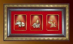 ของพรีเมี่ยมกรอบชุดช้าง3กษัตริย์ ประดับไฟ