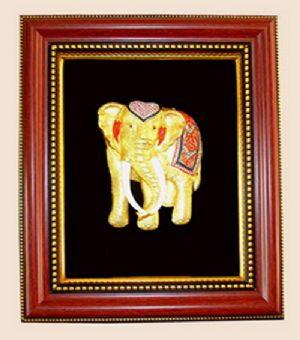 ของพรีเมี่ยมกรอบไม้แดง 2 ชั้น ช้างเศวต
