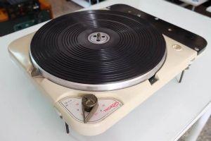 เครื่องเล่นแผ่นเสียง Thorens TD124 MK1 *