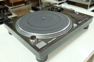 เครื่องเล่นแผ่นเสียง Technics SL-1200 MK3 *