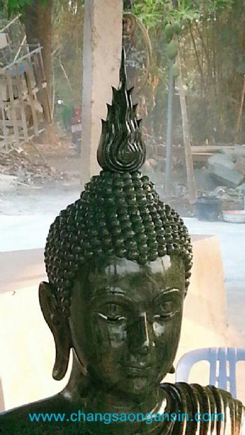 พระประทานหินหยกเขียว ในศาลาไม้สัก3ชั้น ของพระครูนิทัศน์ประชานุกูลเจ้าอาวาสวัดศรีอุทุมพร (วังเดื่อ) หลวงพ่อจ้อย ต.หนองกรด อ.เมือง จ.นครสวรรค์
