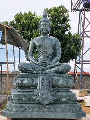 พระพุทธรูปปางนั่งขัดสมาธิ (หินหยกเขียวอินเดีย)