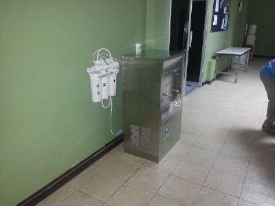 ตู้น้ำเย็นพร้อมเครื่องกรองน้ำ