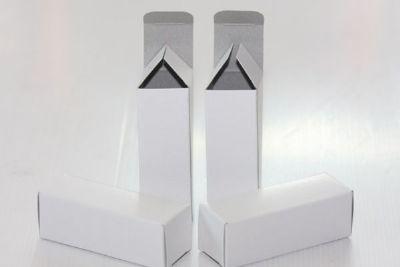 กล่องใส่หลอด ขนาด 3.4 x 3.4 x 9.6 cm (New)
