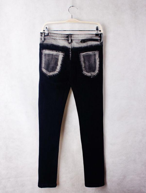 เสื้อผ้าผู้ชาย : กางเกงยีนส์ขาเดฟฟอกตะเข็บ