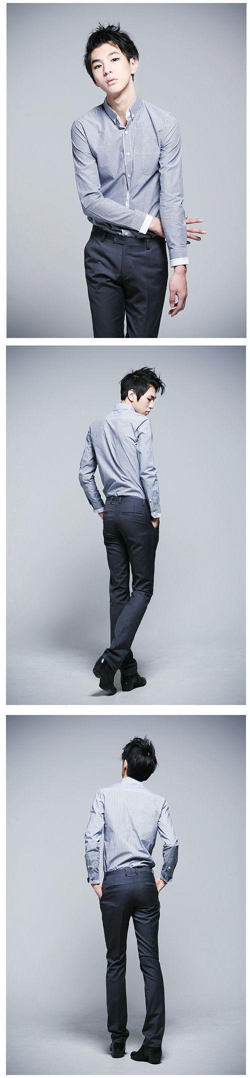 เสื้อผ้าผู้ชาย : เสื้อเชิร์ต slim ลายเส้นแต่งขลิบขาว