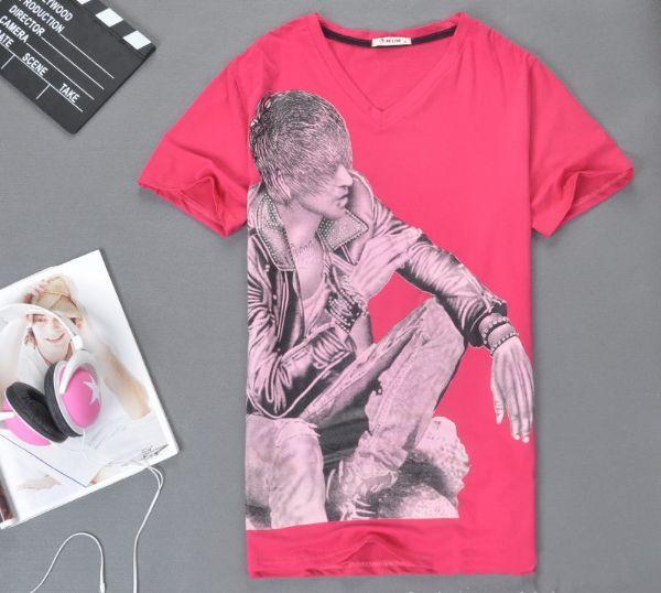เสื้อผ้าผู้ชาย เสื้อผ้าผู้ชายพร้อมส่ง t-shirt พิมพ์กราฟฟิคหนุ่ม rock