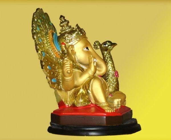 รูปปั้นเรซิ่นทองเหลือง ปางทรงนกยูง
