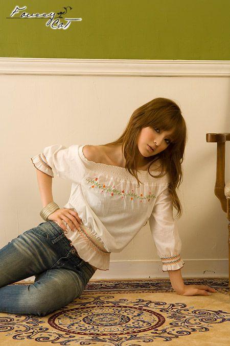 เสื้อผ้าแฟชั่น: เสื้อแนว vintage ปักดอก