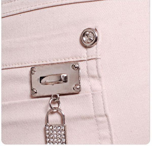 เสื้อผ้าแฟชั่น: กางเกงสามส่วนเครื่องประดับกิ๊บเก๋