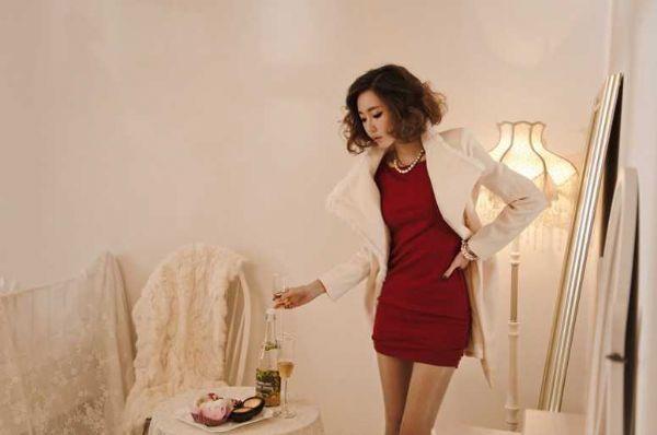 เสื้อผ้าแฟชั่น เสื้อผ้าเกาหลี เดรสไหล่แต่งโบว์ใหญ่เก๋