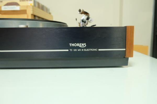 เครื่องเล่นแผ่นเสียง Thorens TD126 MK III (โทนอาร์ม 10 นิ้ว SME 3010-R) *