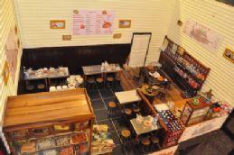 11. ร้านข้าวต้ม และ กาแฟ โบราณ