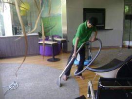 บริการ ทำความสะอาด ซักพรม 01