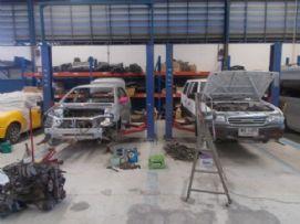 พื้นที่ซ่อมรถ