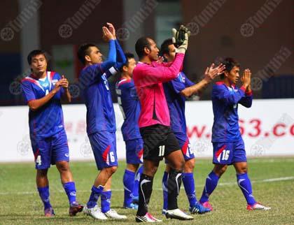 แข้งลูกหนังชายไทยปรบมือขอบคุณแฟนบอลหลังพิชิตเติร์กเมนิสถาน 1-0